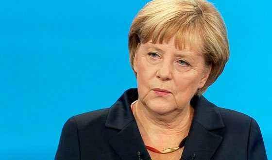 ميركل تدعو دول الاتحاد الأوروبي للقيام بدورها لحل أزمة تدفق المهاجرين