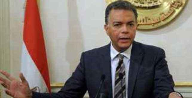 وزير النقل ومحافظ البحر الأحمر يستعرضان مشروعات الطرق