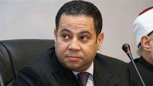 """وزير قطاع الأعمال يبحث مع مجلس إدارة""""القابضة للغزل""""خطة إعادة هيكلة الشركات التابعة"""