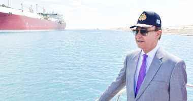 مهاب مميش: عبور 252 سفينة قناة السويس بحمولة 16.7 مليون طن فى 5 أيام