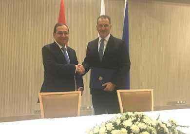 توقيع اتفاقية خط أنابيب بحرى بين مصر وقبرص