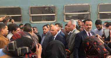 وزير النقل يبدأ جولاته بتفقد محطة مصر وورش صيانة القطارات