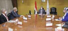 وزير النقل يبحث مع موانئ دبى العالمية سبل تعزيز التعاون بين الجانبين